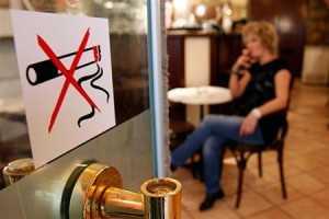 Штрафы за курение в общественных местах должны быть увеличены