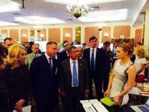 На выставке в Казани с Министром образования РФ Дмитрием Ливановым и заместителем министра образования Натальей Третьяк