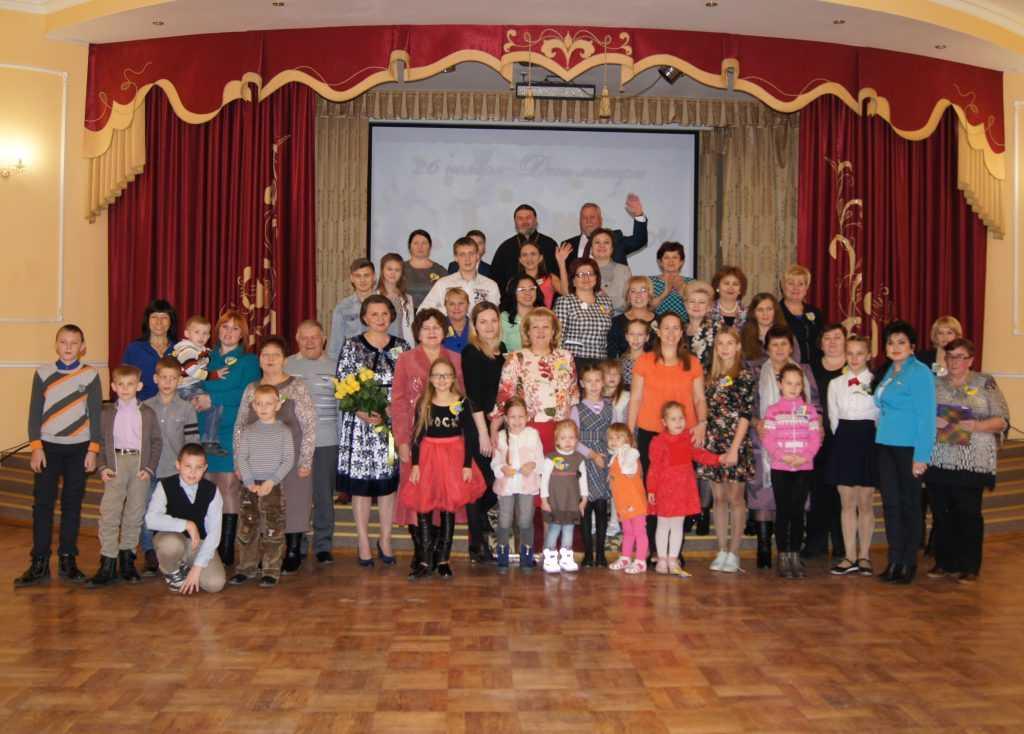 В Курске прошел праздник в честь Дня матери, организованный руководителем регионального отделения общественного движения «Матери России» Татьяной Ворониной