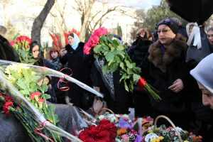 Торжественное открытие памятника народной поэтессе Дагестана Фазу Алиевой