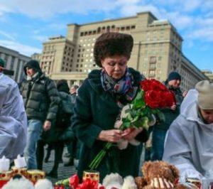 Валентина Петренко пришла на Манежную площадь почтить память погибших кемеровчан.