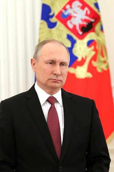 Владимир Путин обратился кгражданам России после обнародования Центральной избирательной комиссией официальных итогов голосования навыборах Президента Российской Федерации.