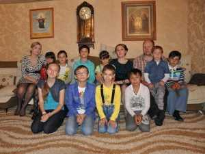 Оренбуржцев призывают присоединиться к акции «Помоги большой семье»