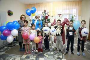 Региональное отделение Всероссийского общественного движения «МАТЕРИ РОССИИ» Республики Башкортостан поздравило  детишек, находящихся в это время в Республиканской детской клинической больнице.