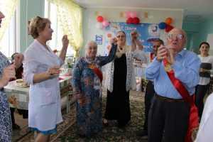 """День семьи, любви и верности отметили в Доме - интернате для престарелых и инвалидов """"Ветеран"""" г. Махачкалы."""