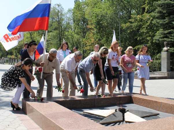 Автопробег, посвященный Дню государственного флага России