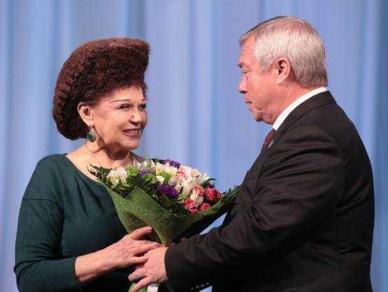 Валентину Петренко наградили в 100–летний юбилей комсомола