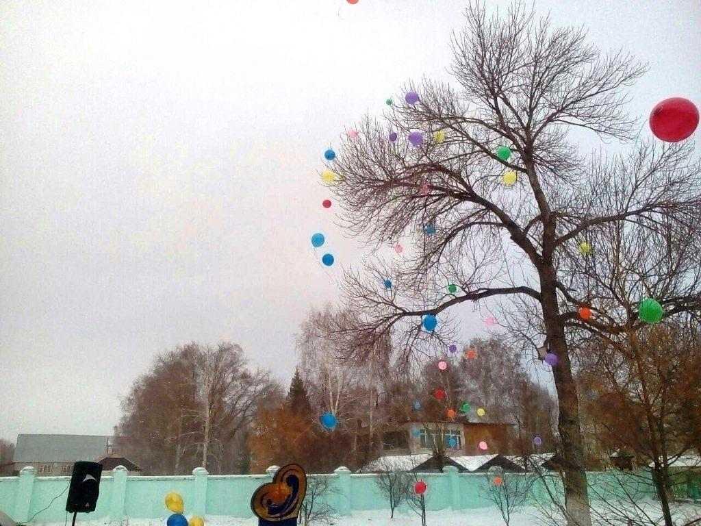 В Кувандыке Оренбургской области появилась аллея, посвященная матерям России